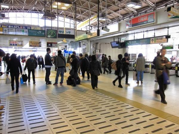 2011年03月18日、JR町田駅改札前の様子