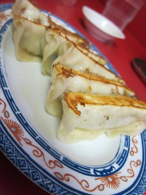 宇都宮「正嗣」と「みんみん」の餃子を食べ比べ