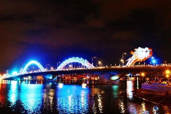 Dragon-Bridge-Danang-Vietnam-01