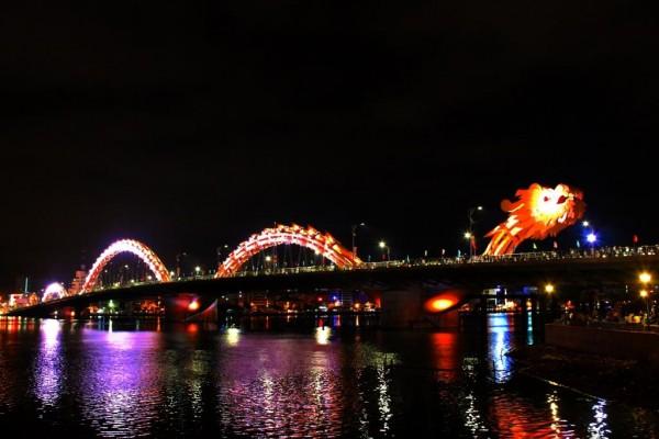 Dragon-Bridge-Danang-Vietnam-04