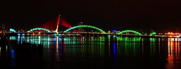 Dragon-Bridge-Danang-Vietnam-07