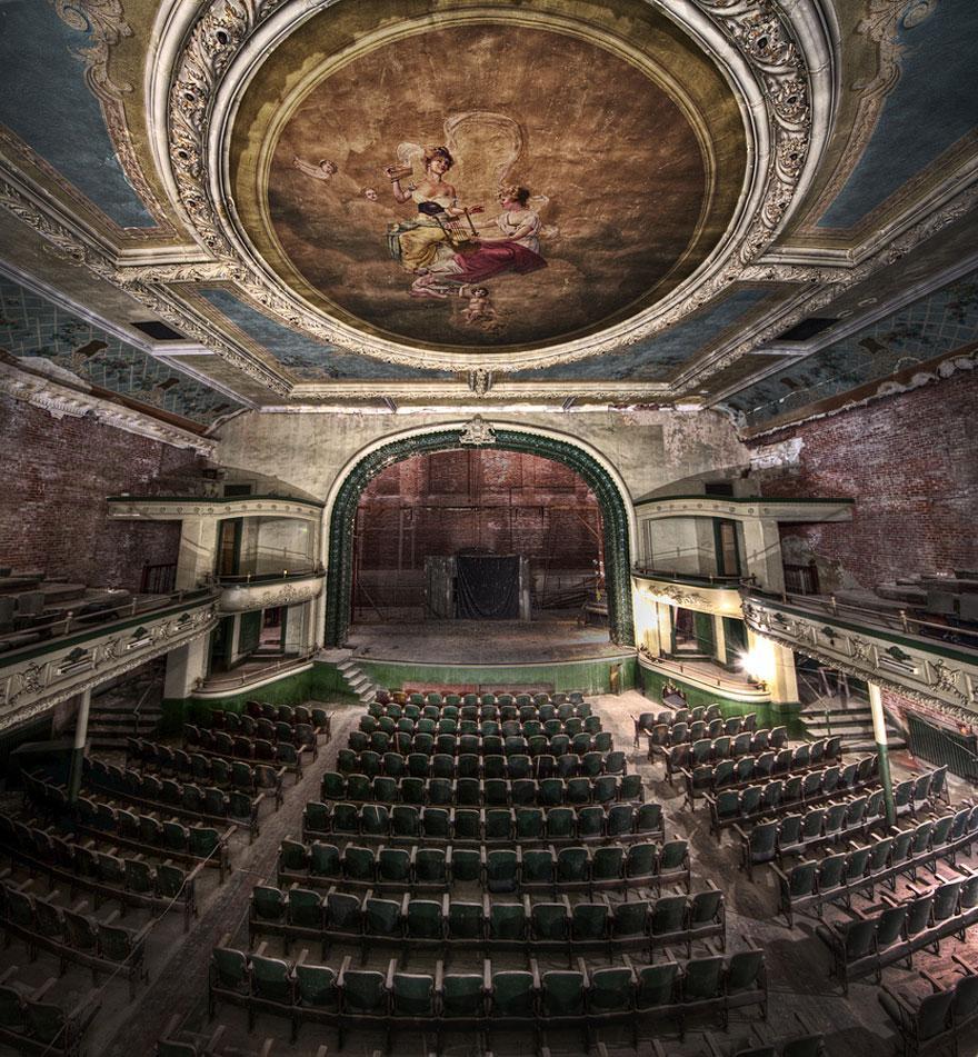 ニューベットフォードのオルフェム劇場