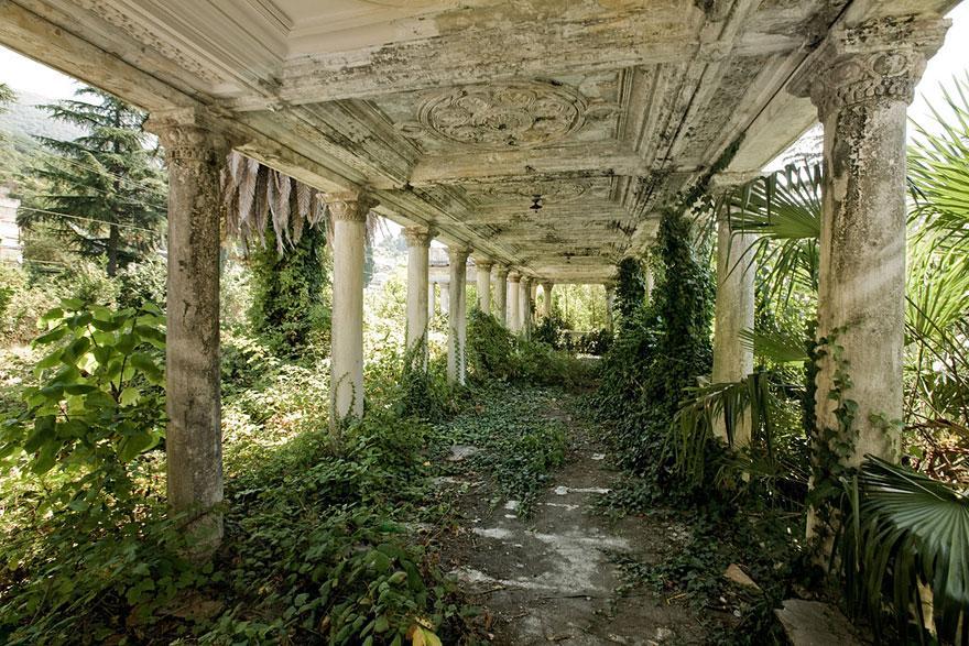 放棄された駅、アブハジア共和国(グルジア)