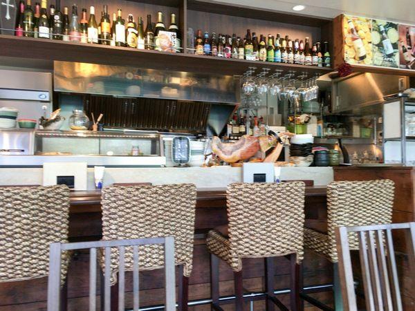 CAFE&BAL PUMAL、店内の様子