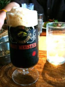ブラウマイスターのグラスで飲むギネス