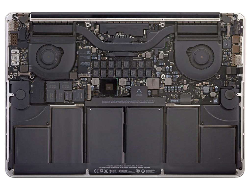 新MacBook Proの内部
